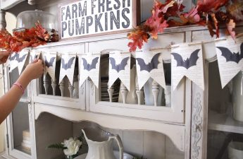 Easy Halloween Craft-Bat banner