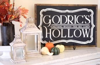 Harry Potter DIY Room Decor-Godrics Hollow Sign13
