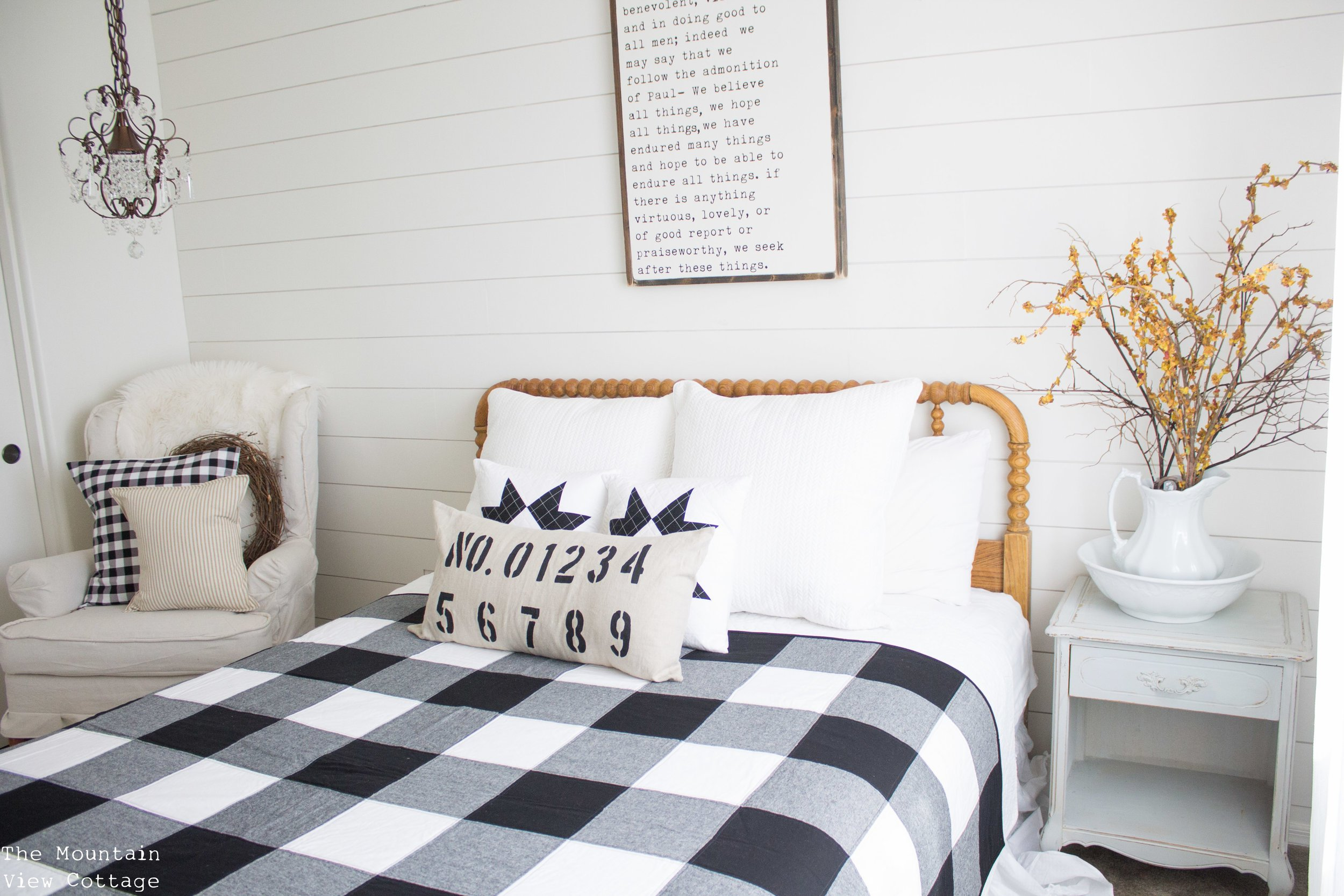 Because Iu0027ve Promised To Stick To One Post A Day, Today You Get To See The  Reveal Of My Farmhouse Inspired Halloween Bedroom Decor!