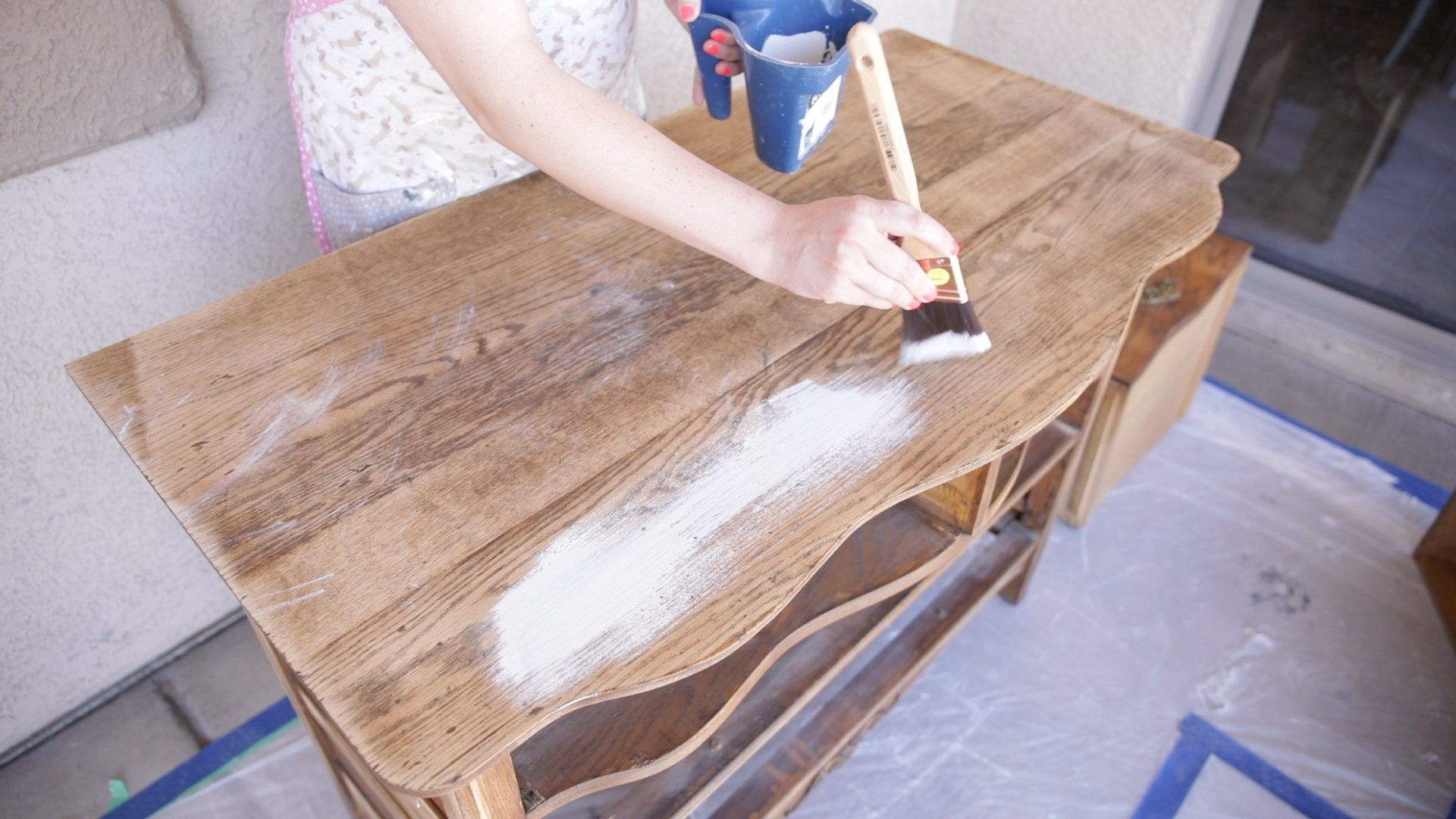 the best paintbrush for painting furniture with chalk paint