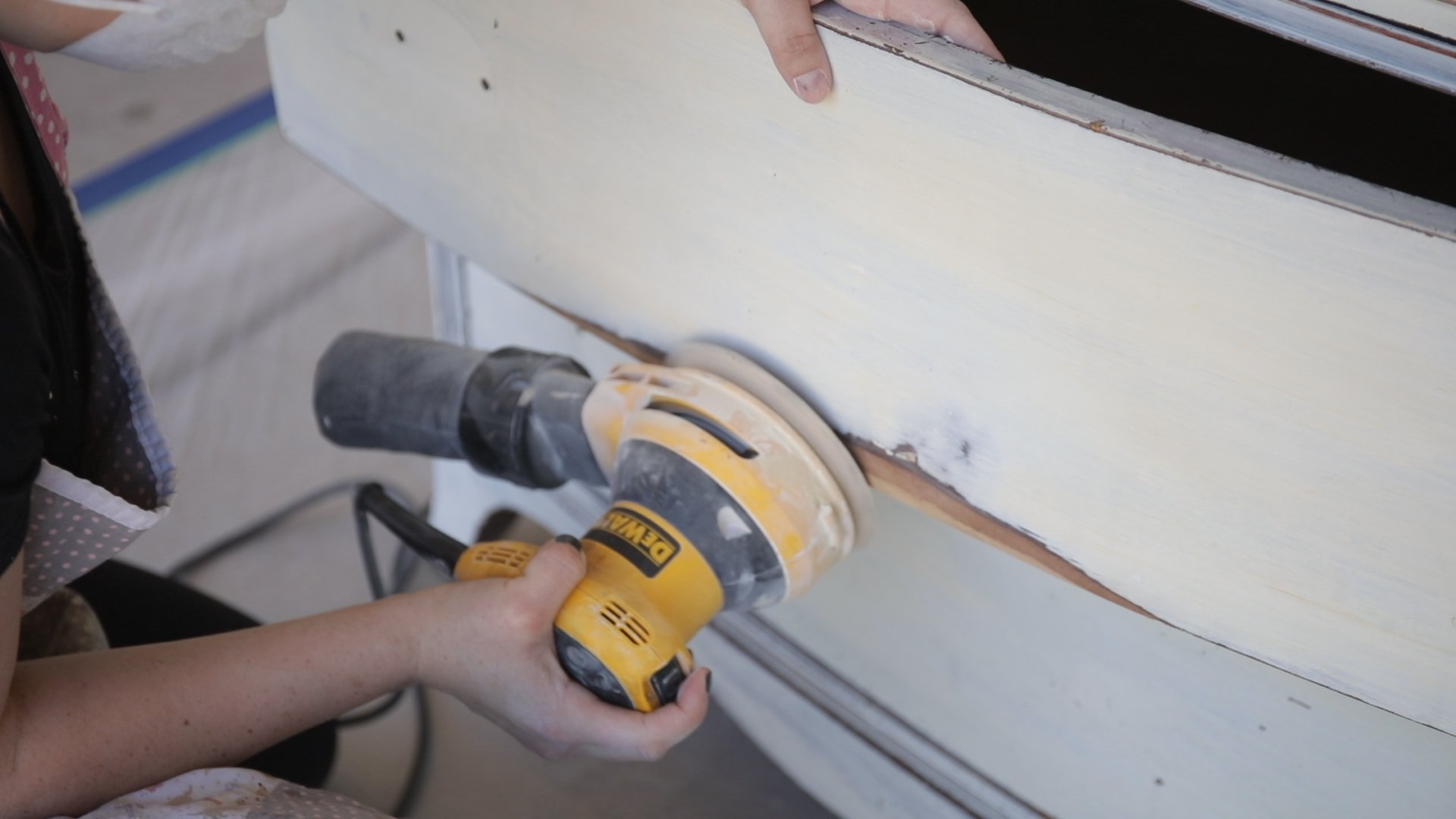 the best way to prep furniture to paint