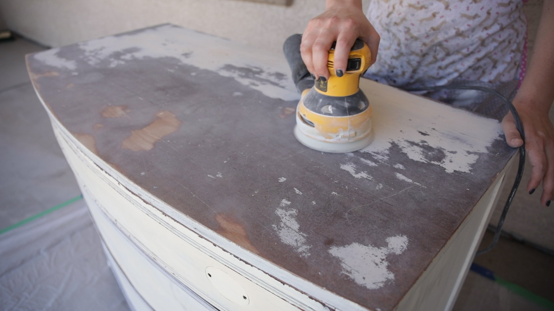 how to sand furniture prior to furniture painting