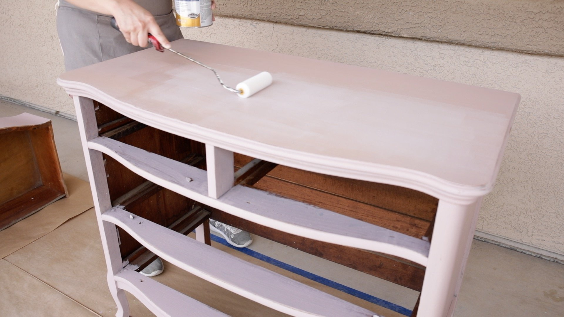 How Lightly Distress Milk Painted Furniture10