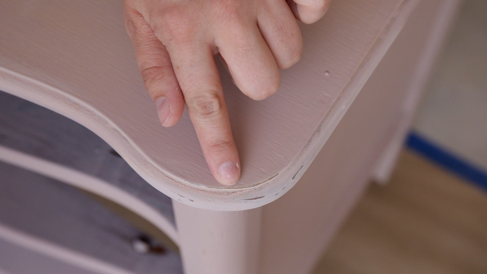 How Lightly Distress Milk Painted Furniture4