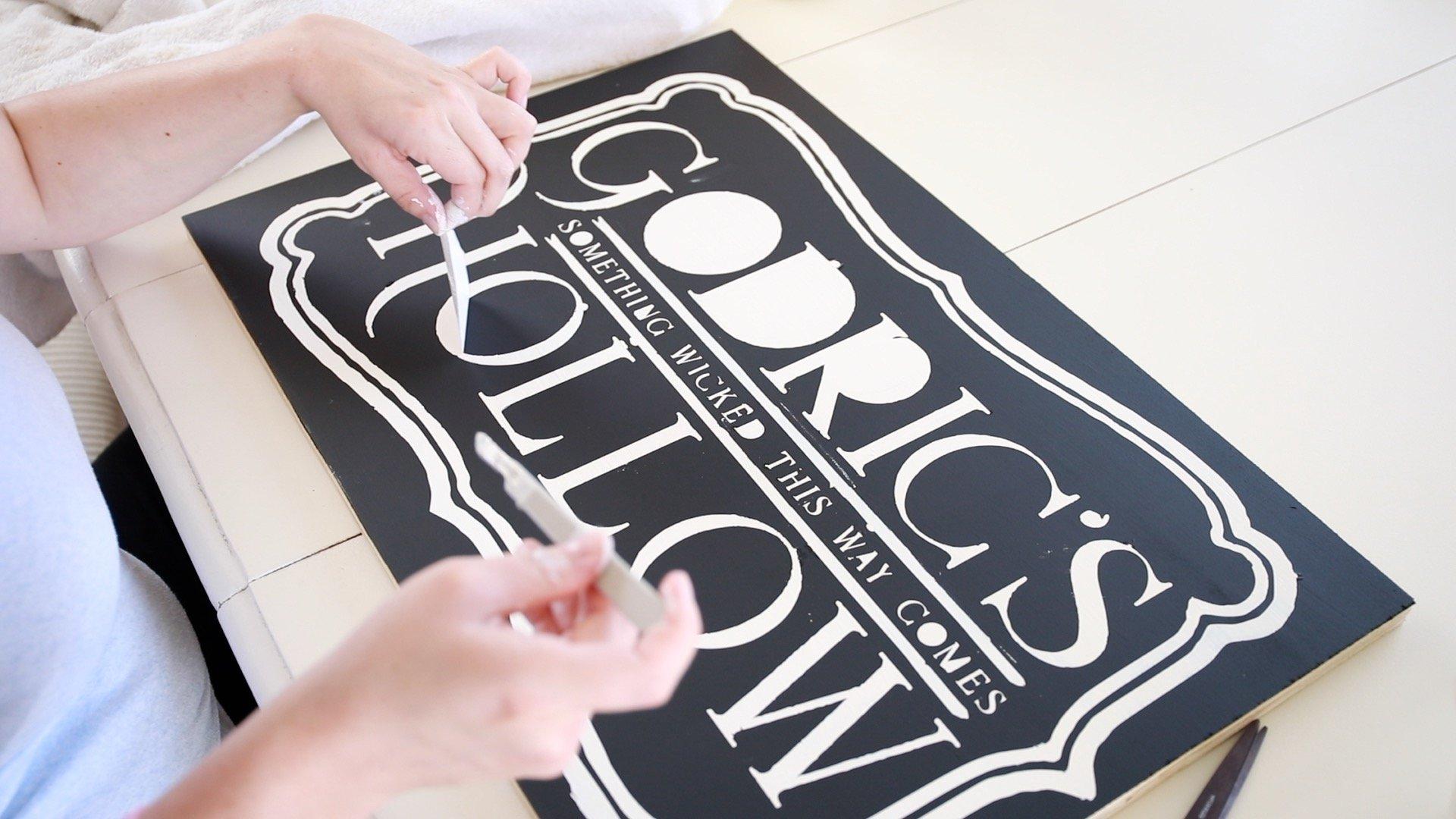 Harry Potter DIY Room Decor-Godrics Hollow Sign